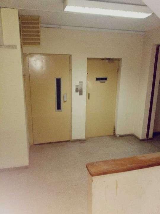 Edificio de 4 pisos para oficinas con ascensor - 8